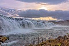 Cenário do islandês de Faxi Waterfal foto de stock