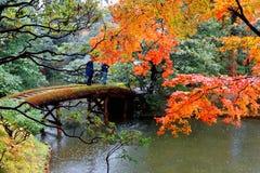 Cenário do outono de um jardim japonês em Katsura Imperial Villa Royal Park em Kyoto Japão fotografia de stock