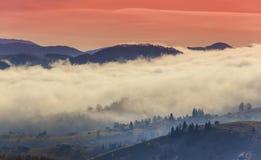 Cenário do outono nas montanhas fotografia de stock royalty free