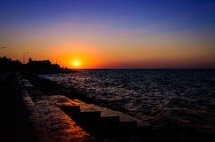 Cenário do por do sol do oceano do verão Fotografia de Stock Royalty Free