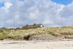 Cenário litoral em Connemara fotos de stock royalty free