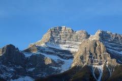 Cenário mágico da montanha de Banff foto de stock
