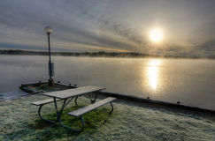 Cenário místico do lago da manhã Fotografia de Stock Royalty Free