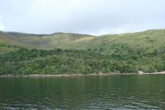 Cenário natural do fiorde de Escócia ocidental perto de Fort William Fotos de Stock Royalty Free