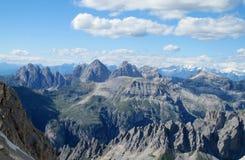 Cenário rochoso da montanha dos cumes da dolomite fotos de stock