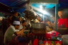 Cena al mercato locale di notte, Bali fotografia stock libera da diritti
