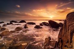 Cena bonita do Seascape da luz do sol fotografia de stock royalty free