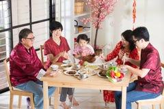 Cena cinese della Riunione del nuovo anno immagini stock libere da diritti