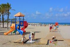 Cena colorida da praia, vibrações do verão imagens de stock royalty free