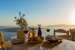 Cena con los mariscos y el vino rojo fotografía de archivo