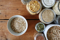 Cena da barra de Muesli com variedade de cereais Imagem de Stock Royalty Free