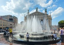 Cena da cidade de Lviv (Ucrânia). MAIO 10, 2012 Fotografia de Stock
