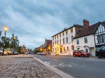 Cena da cidade de Stratford sob o céu crepuscular imagens de stock royalty free