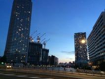 Cena da construção no por do sol no Tóquio Fotos de Stock