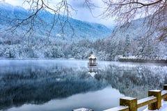 Cena da Lago-neve de Lulin da neve na montagem Lu fotos de stock royalty free