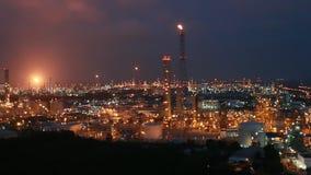 Cena da noite da fábrica da refinaria filme