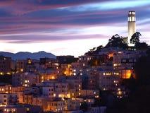 A cena da noite da torre do coit Imagens de Stock
