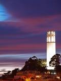 A cena da noite da torre do coit Fotografia de Stock Royalty Free