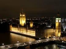 Cena da noite de Londres, Ben grande e abadia de Westminster Fotos de Stock