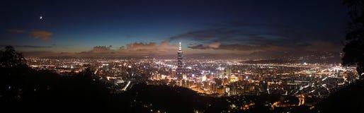 Cena da noite de Taipei Fotografia de Stock Royalty Free