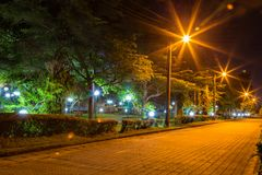 Cena da noite de um jardim principal em Mayfair Fotos de Stock