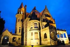 Cena da noite do castelo em victoria foto de stock