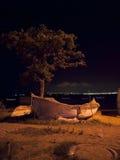 Cena da noite na costa Imagens de Stock Royalty Free