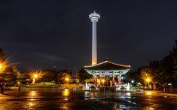 Cena da noite da torre de Busan fotografia de stock royalty free