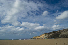 Cena da praia em Nazare Portugal Imagens de Stock Royalty Free