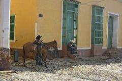 CENA DA RUA DE CUBA TRINIDAD Imagens de Stock