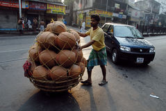 Cena da rua de Kolkata imagens de stock royalty free