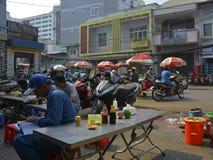 Cena da rua de Saigon fotografia de stock