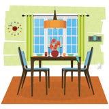 Cena da sala de jantar com ajustes de jantar de madeira do grupo e de lugar Fotografia de Stock Royalty Free