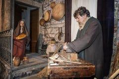 Cena da vida de Jesus Imagem da família Joseph contratou em processar a madeira imagens de stock
