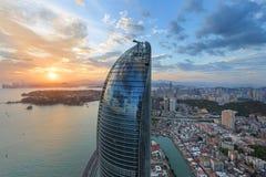 Cena das torres gêmeas de Xiamen Shimao Petronas, China fotos de stock