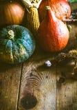 Cena de la acción de gracias en la madera Foto de archivo libre de regalías