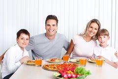 Cena de la familia foto de archivo