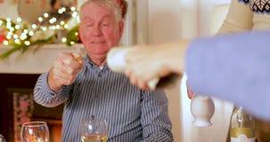Cena de la Navidad de la familia almacen de video