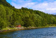 Cena de Serene Scandinavian Fjord Foto de Stock Royalty Free
