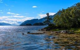 Cena de Serene Scandinavian Fjord Imagens de Stock Royalty Free