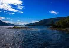 Cena de Serene Scandinavian Fjord Fotos de Stock
