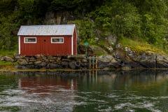 Cena de Serene Scandinavian Fjord Village Fotografia de Stock