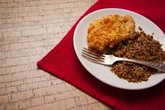 Cena del pollo y del alforfón fotos de archivo