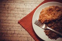 Cena del pollo y del alforfón imágenes de archivo libres de regalías