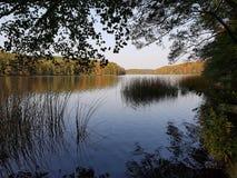 Cena do lago em Alemanha no outono Fotos de Stock Royalty Free