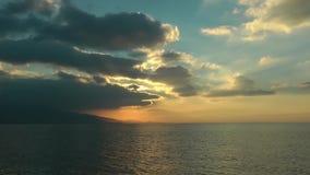 Cena do por do sol no mar vídeos de arquivo