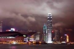 Cena do porto de Victoria - Hong Kong da noite Imagens de Stock