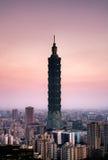 Cena dramática da cidade de Taipei na manhã Fotos de Stock