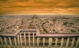 Cena escura do por do sol de Paris fotos de stock royalty free