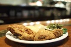Cena fritta nel grasso bollente del pollo Fotografia Stock Libera da Diritti